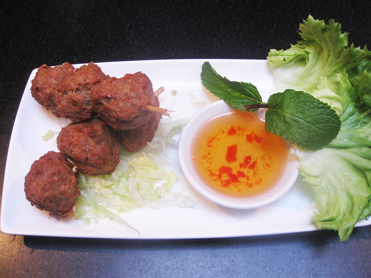 gluten-free_dairy-free_pho_pork_lemongrass_meatballs