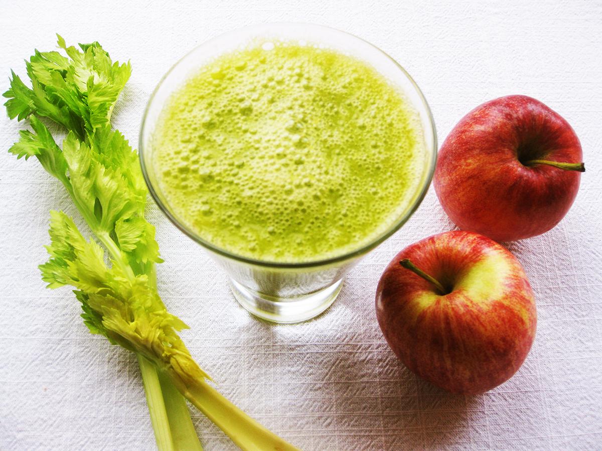 gluten-free_dairy-free_detox_cucumber_celery_apple_mango_detox_juice