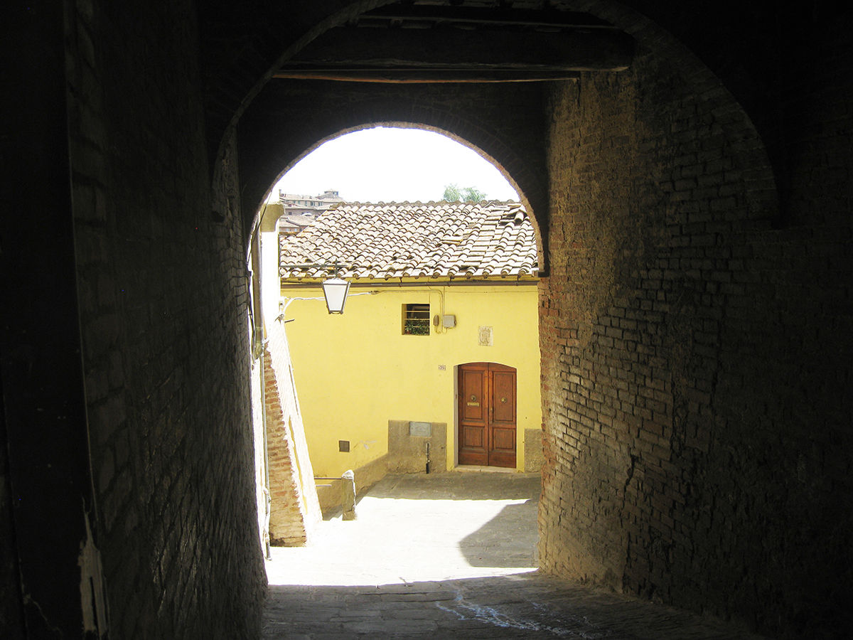 Tuscan_alley