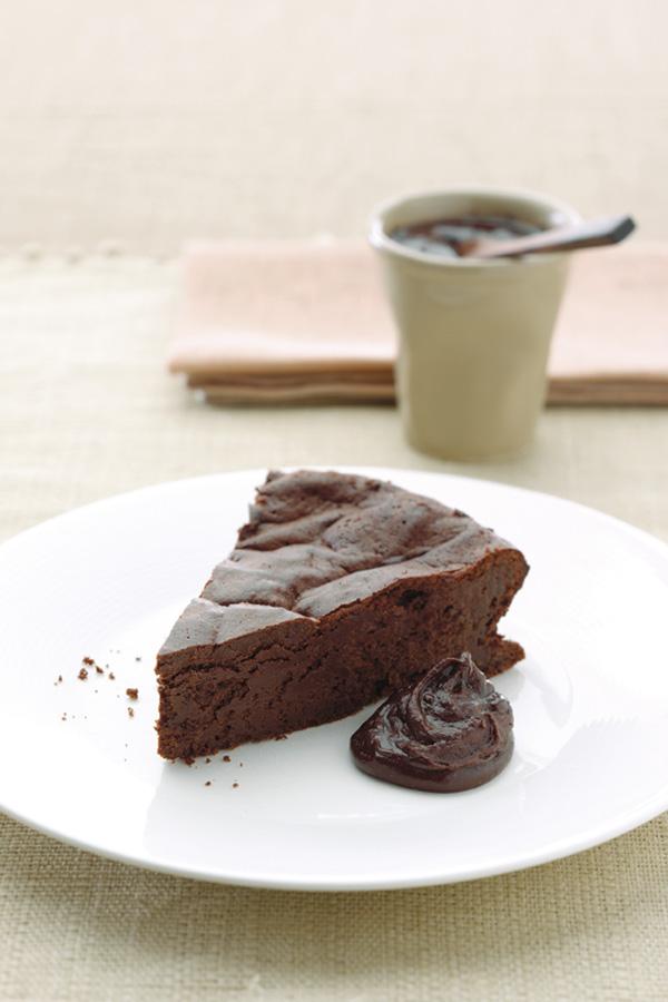 Gluten-Free_Dairy-Free_Flourless_Chocolate_Cake