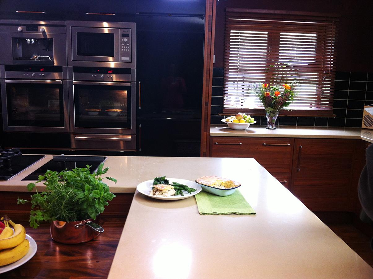 waitrose_free_from_filming_gluten-free_dairy-free_chicken_tarragon_pie_on_set