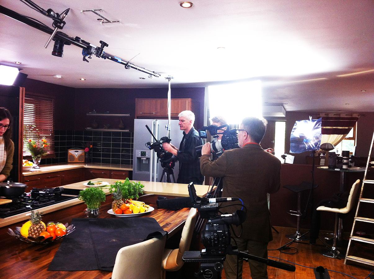 waitrose_free_from_filming_gluten-free_dairy-free_chicken_tarragon_pie_team